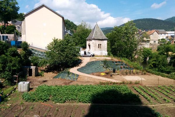 Cr ation d 39 un jardin aveyron st jean de bruel cr ation for Entretien jardin frontignan