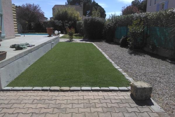 pose gazon synthetique sur dalle beton affordable gazon artificiel terrasse castorama gazon. Black Bedroom Furniture Sets. Home Design Ideas